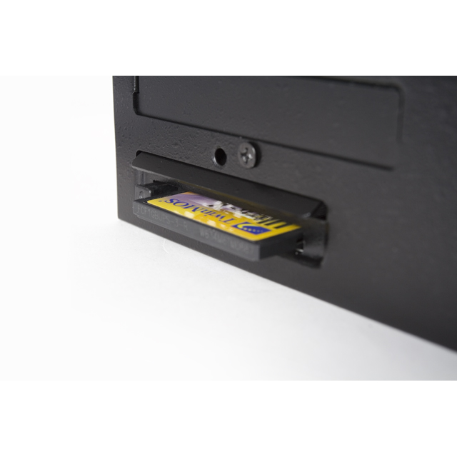 Aopen DE2700 QuickSilver-card reader